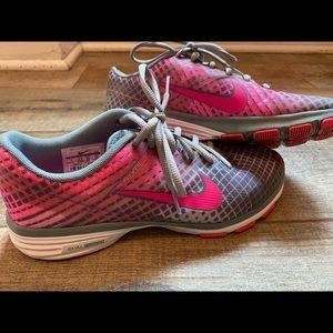 Women's Nike Dual fusion running sneakers